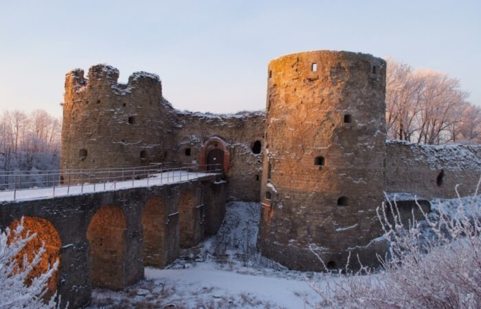 Копорская крепость Общий вид здания